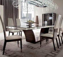 DAYDREAM DINING ROOM